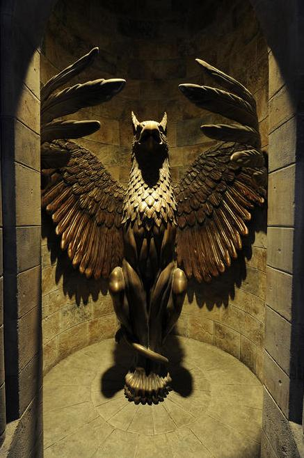 Patung Griffin Agung